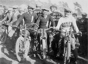 Miembros del AMA (Asociación Motorista Americana)